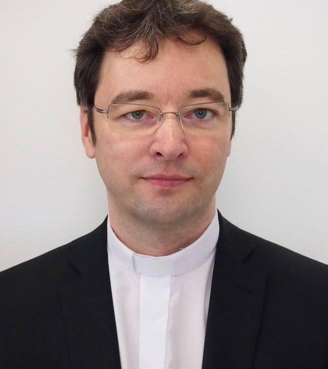 D6fH7RbwTb6ndjnVzqFBtQ-Nov-ko-ick-pomocn-biskup-Marek-Forg